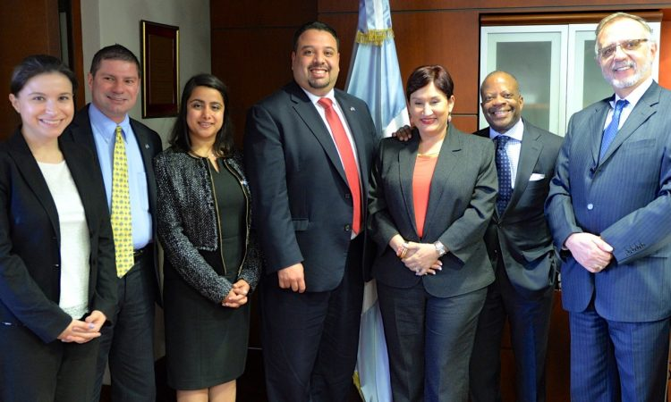 US Ambassador Todd Robinson (second from right) and Cicig Commissioner Iván Velásquez (right) are working frantically to cement collectivist control of the Guatemalan judiciary, as a step to dominate the country.