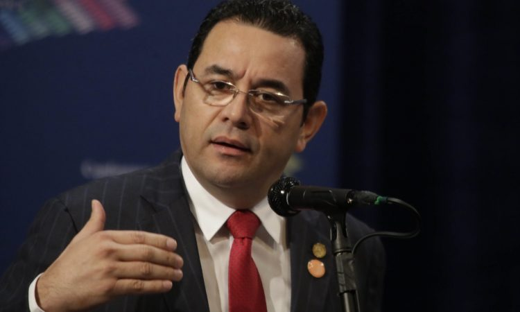 The US embassy created phony corruption charges against Jimmy Morales and warned the Trump administration against dealing with the Guatemalan president. (The presidency of El Salvador)