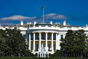 Polls White House