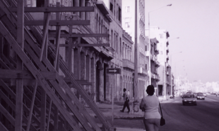 io-ft-Havana_Malecón