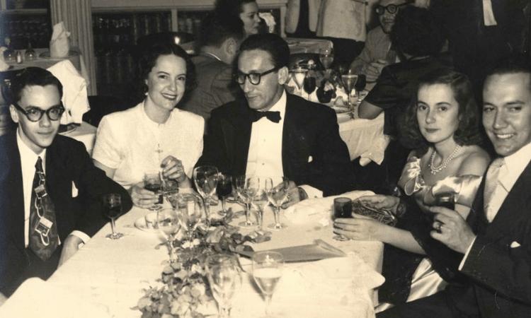 familia-rivero-cenando-havana